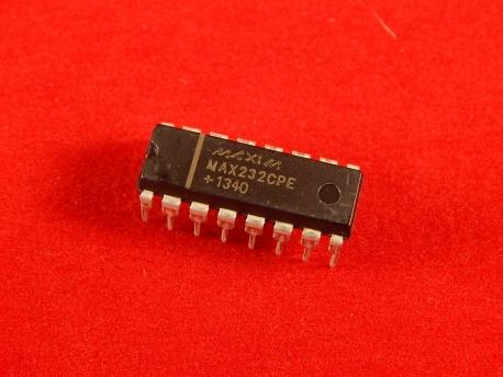 MAX232CPE PDIP-16, Мультиканальный приемопередатчик интерфейса RS-232